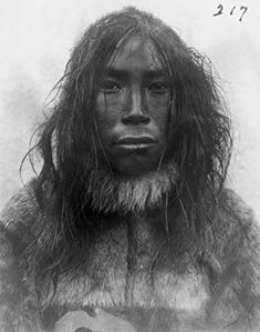 Inuit man, native people of greenland Native American Photos, Native American Indians, Inuit People, Palawan, Interesting Faces, World Cultures, First Nations, People Around The World, Historical Photos