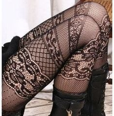 Lolita French Italian 6 Lace Crochet Pantyhose GOSH the patterning is soo lush I could wear them forever and never get bored of the way they looked xxx Pantyhose Fashion, Fashion Tights, Pantyhose Legs, Mode Shoes, Lace Tights, Fishnet Tights, Runway Fashion, Womens Fashion, Stocking Tights