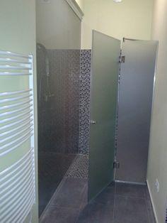 Savmart zuhanykabin üveg ajtó, és fal