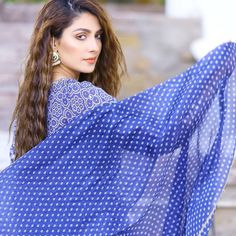 Image may contain: 1 person, closeup Pakistani Designer Suits, Indian Designer Outfits, Prettiest Actresses, Beautiful Actresses, Ayeza Khan, Bridal Dress Design, Pakistani Actress, Pakistani Bridal, Girls Dpz