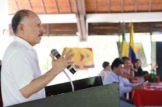 Gobernador del Cauca defiende protección arancelaria a la producción de azúcar [http://www.proclamadelcauca.com/2015/06/gobernador-del-cauca-defiende-proteccion-arancelaria-a-la-produccion-de-azucar.html]
