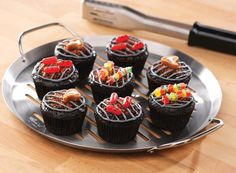 Make a batch of personalized cupcakes just for dad. Check out our Inspiration page for tips on creating the adorable, grill-themed sweets you see here. #FathersDay