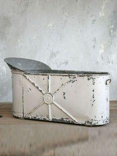 amazing zinc soaking tub!!! Double like!!!