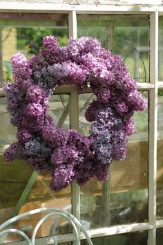 Spring style!! A wonderful purple Lilac Wreath for the front door!!