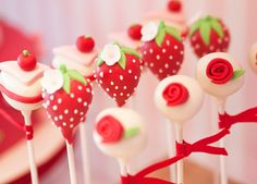 Cutest Strawberry Cake Pops