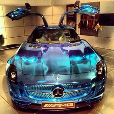 Mercedes SLS ///AMG cool colour