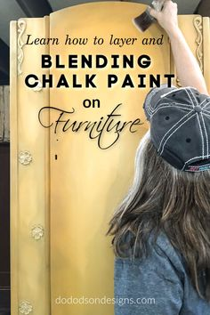 I'm sharing my BEST tips for blending chalk paint on furniture so that you can master amazing color blends on your furniture too. Layering paint colors with water to create a unique DIY furniture finish. Diy Furniture Finishes, Diy Furniture Redo, Chalk Paint Furniture, Colorful Furniture, Furniture Design, Furniture Refinishing, Coaster Furniture, Refurbished Furniture, Paint Finishes