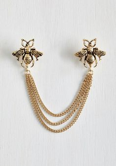 You never know when a beautiful insect will buzz by, so keep your camera and this gold, ModCloth-exclusive collar pin handy! Two engraved bees trim the tiered chains of this metallic accessory, offering a vintage-inspired touch to your sweet day. Bee Jewelry, Gold Jewelry, Jewelery, Jewelry Accessories, Fashion Accessories, Fashion Jewelry, Chain Jewelry, Swarovski Jewelry, Jewelry Trends