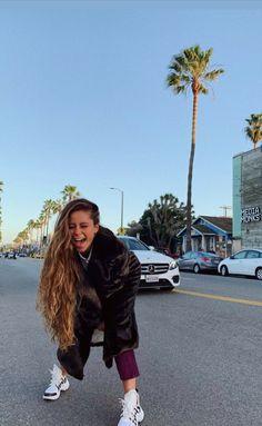 Camila Gallardo, Curly Hair Styles, Natural Hair Styles, Alexandra Stan, Cheryl Cole, Super Long Hair, Hair Inspo, Foto E Video, Hair Beauty