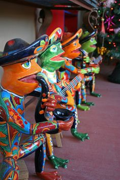 Frogs at a Tucson shop, reason to go to Tucson!