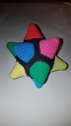 Took some time and maneuvering to assemble, it was a bit tricky but worked out fine. Found the pattern at a danish website and a guide to help assemble here. Crochet Stars, Some Times, Knitting Projects, Toys, Pattern, Knitting Designs, Model, Games, Toy