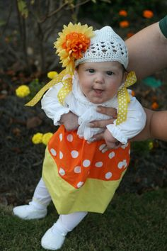 Candy Corn Pillowcase Dress Halloween Costume!  Thats the sweetest candy corn Ive ever seen!  :)