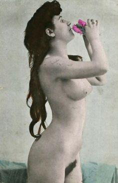 Untitled Vintage Postcards, Vintage Photos, Nude Portrait, Vintage Beauty, Erotic Art, Pin Up Girls, Vintage Ladies, Statue, Black And White