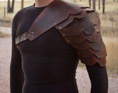 Armure de Viking en cuir épaule. Simple ou double noir ou