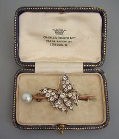 diamond, gold and pearl brooch circa 1910