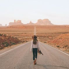 Walkin' into Monument Valley