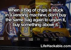 Life Hacks - your snack stuck in a vending machine? Life Cheats, Simple Life Hacks, Useful Life Hacks, Daily Hacks, The More You Know, Did You Know, Team Building, Weird Facts, Fun Facts