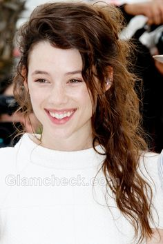 Astrid Berges-Frisbey // Angelic hair