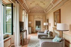 #interiordesign #homedecor #idea #Inspiration #cozy #living #space #style #interior #decor #design #home #classic #stucco Hotels In Tuscany, Chianti Wine, Paola Navone, Toscana, Pent House, Commercial Interiors, Siena, Hotels And Resorts, Urban Design