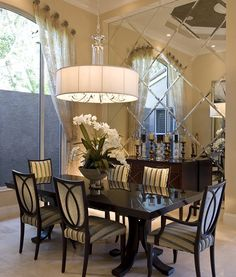 not crazy about the dining room furniture but I love the beveled mirror wall. Elegant Dining Room, Dining Room Design, Dining Area, Dining Rooms, Dining Table, Wood Table, Fine Dining, Home Design, Design Ideas