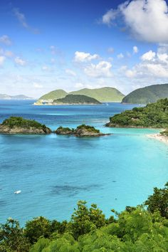 Where to Find Your Perfect Oasis in the US Virgin Islands - The United States Virgin Islands are steeped in history, with a natural beauty that seduces even the most jaded traveler. Islands like St. Thomas, St. John and St. Croix are the perfect place to begin an unforgettable odyssey. Anything you want to see or do is no more than a short, scenic boat ride or drive away.