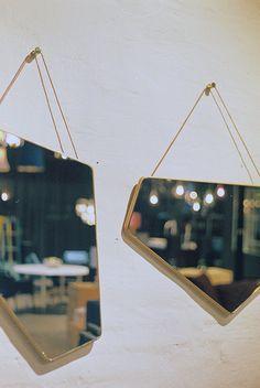 { mirrors }