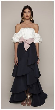 Get inspired and discover Johanna Ortiz trunkshow! Shop the latest Johanna Ortiz collection at Moda Operandi. Look Fashion, High Fashion, Womens Fashion, Fashion Design, Fashion Trends, Dress Skirt, Dress Up, Satin Skirt, Skirt Outfits