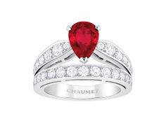 Chaumet bague Joséphine http://www.vogue.fr/joaillerie/shopping/diaporama/rubis-rouge-bagues-haute-joaillerie/19186/image/1011556#!chaumet-bague-josephine-en-rubis