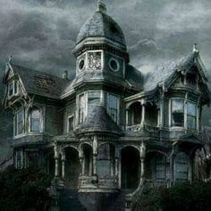Rain on Spooky House Pictures, Images and Photos Old Abandoned Houses, Abandoned Buildings, Abandoned Places, Old Houses, Spooky House, Creepy Houses, Most Haunted Places, Spooky Places, Old Mansions