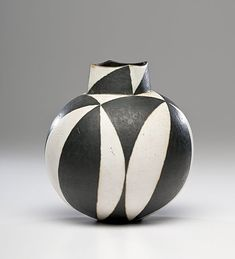 Masterworks: John Ward Black and White Vase