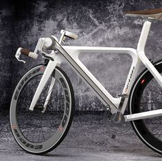 Dutch studio TSG Essempio has realized the '4 Strike Bike', an unconventional bike with which you can pedal with hands and feet at the same time.