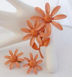 Vintage Peach Enamel Daisy Flower Pin and Earrings