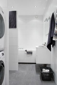 Large white tiles a bit clinical Best Bathroom Flooring, Gray And White Bathroom, White Bathroom Tiles, Bathroom Floor Tiles, Bathroom Toilets, Laundry In Bathroom, Bathroom Cabinets, Large White Tiles, White Wall Tiles