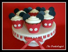 Mickey Mouse Cupcakes- put a bow on them for mini mouse
