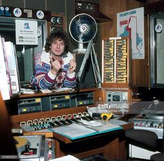 Peter Powell (Broadcasting House) Early 80s Bbc Radio 1, Tv On The Radio, Radio Wave, Old Time Radio, Radio Flyer, Retro Radios, Internet Radio, The Good Old Days, Back In The Day