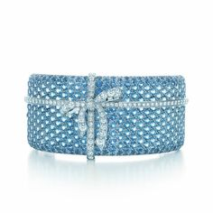 d0d0b09ccd9a A magnificent bracelet is tied to tradition with sparkling aquamarines and  diamonds in platinum. Tiffany