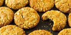 These sugar-free ANZAC biscuits taste exactly the same as the sugar and golden syrup variety but with no fructose, which means you can have more than one. Sugar Free Baking, Sugar Free Sweets, Sugar Free Recipes, Almond Recipes, Sweet Recipes, Whole Food Recipes, Vegan Recipes, Diabetic Recipes, Healthy Baking