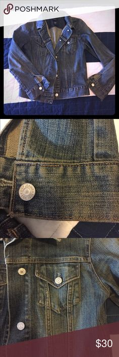 Gap Jean Jacket Excellent condition!! Gap Jean Jacket with silver button detail GAP Jackets & Coats Jean Jackets