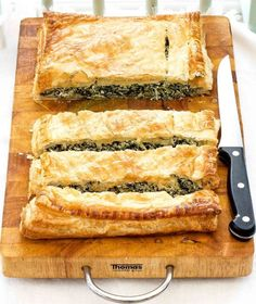Spinach And Ricotta Puff: A tasty vegetarian option for your buffet table that even meat-lovers will love. It looks so impressive for very little effort. Vegetarian Options, Vegetarian Recipes, Cooking Recipes, Puff Pastry Recipes, Puff Recipe, Greek Recipes, Pavlova, Crepes, Vegetable Recipes