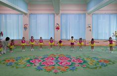 Noord-Koreaanse interieurs of decors van Wes Anderson? | ELLE Decoration NL