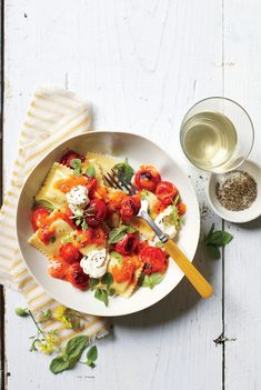 Pasta with Burst Tomatoes and Mascarpone - 14 Romantic Dinner Recipes for Valentine's Day - Southernliving. Recipe: Pasta with Burst Tomatoes and Mascarpone Blister and burst tomatoes under the broiler to hide imperfections and concentrate flavor. Summer Pasta Recipes, Easy Pasta Recipes, Cooking Recipes, Recipe Pasta, Cheese Recipes, Recipe Box, Cooking Ideas, Recipe Ideas, Romantic Dinner Recipes