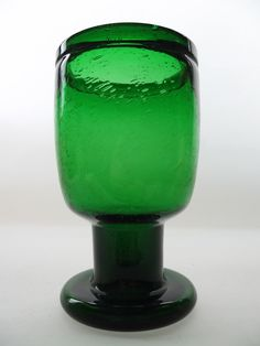 Nuutajärvi 'Sargasso' green glass vase by Kaj Franck. via Etsy.