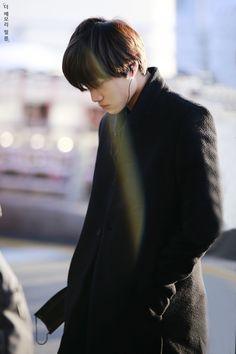 dance with me, fy-exo: the memory film Chanyeol, Exo Kai, Kyungsoo, Chen, Exo Shop, Asian Men Fashion, Exo Korean, Kim Jongin, Airport Style