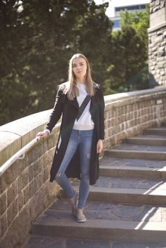 Laura Adalmiina http://www.stoori.fi/laura-adalmiina/ripped-jeans/