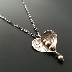 Bleeding Heart Pendant — Ai Jewelry