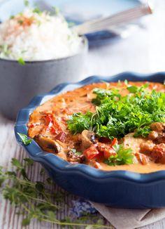 Pikant koteletter med chorizo og champignon - opskrift Grill, Chorizo, Thai Red Curry, Ethnic Recipes