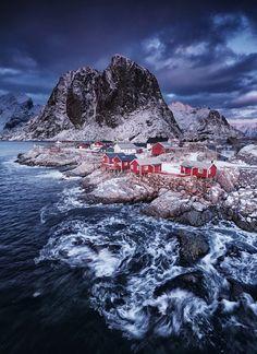 Winter storm (Lofoten Islands, Norway) by Felix Inden / 500px
