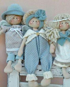 Strega e gatto - Country Creations Baby's First Doll, Baby Dolls For Kids, Waldorf Dolls, Doll Hair, Fairy Dolls, Soft Dolls, Cute Dolls, Doll Patterns, Beautiful Dolls