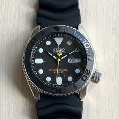 Hands – Trident Second Hands – Second Hand fashion Stylish Watches, Cool Watches, Watches For Men, Seiko Diver, Seiko Skx, Seiko Watches, Seiko Samurai, Rolex, Second Hand Watches