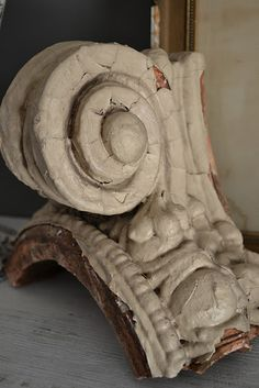 Via Time Worn Interiors.. I actually have several of these column fragments.. They are fab anywhere